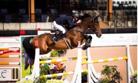 RED MILLS Riders in Form at Tryon